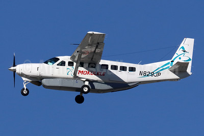 Mokulele Airlines Cessna 208B Grand Caravan N829JP (msn 2429) LAX (Michael B. Ing). Image: 945684.