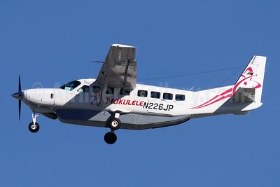Mokulele Airlines Cessna 208B Grand Caravan N226JP (msn 2426) LAX (Michael B. Ing). Image: 945682.