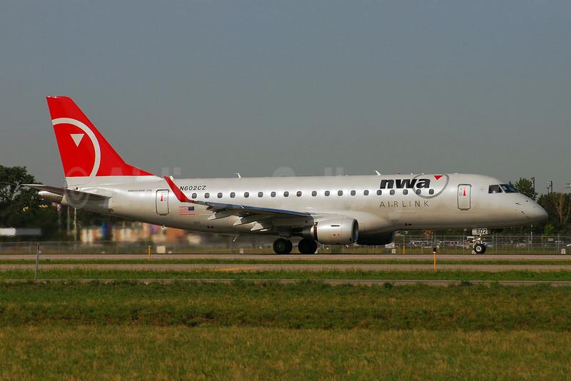NWA Airlink-Compass Airlines Embraer ERJ 170-200LR (ERJ 175) N602CZ (msn 17000171) MSP (Michael Bolden). Image: 900870.