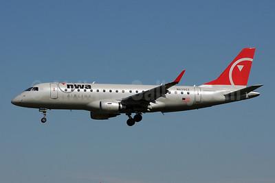 NWA Airlink-Compass Airlines Embraer ERJ 170-200LR (ERJ 175) N635CZ (msn 17000252) MSP (Bruce Drum). Image: 103248.