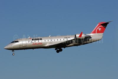 NWA Airlink-Pinnacle Airlines Bombardier CRJ440 (CL-600-2B19) N8974C (msn 7974) MSP (Bruce Drum). Image: 103254.