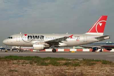 Northwest Airlines-NWA Airbus A319-114 N374NB (msn 2464) JFK (Fred Freketic). Image: 949990.