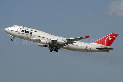 Northwest Airlines-NWA Boeing 747-451 N663US (msn 23818) LAX (Ron Monroe). Image: 944254.