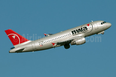 Northwest Airlines-NWA Airbus A319-114 N375NB (msn 2474) (Fred Freketic). Image: 949992.