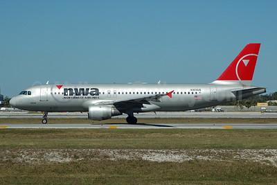 Northwest Airlines-NWA Airbus A320-211 N324US (msn 273) FLL (Bruce Drum). Image: 103245.