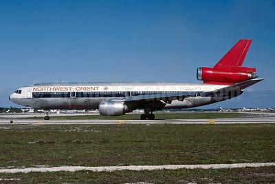Northwest Orient Airlines McDonnell Douglas DC-10-40 N151US (msn 46760) FLL (Bruce Drum). Image: 103163.