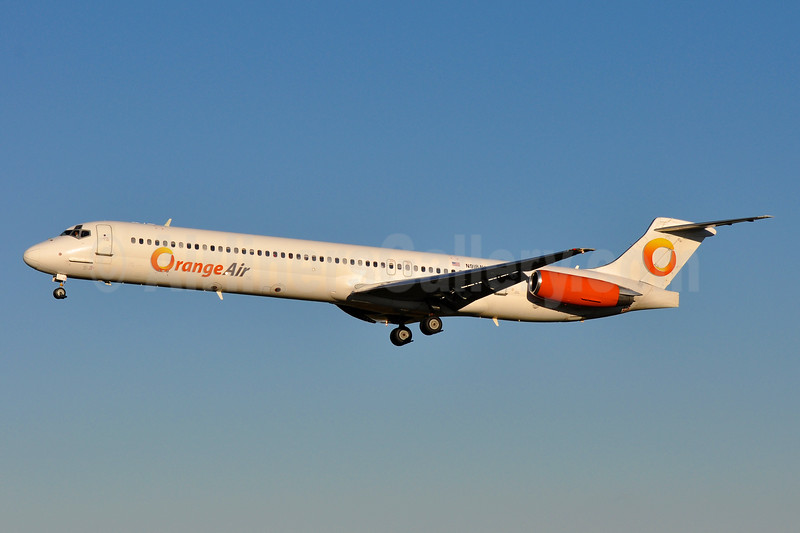 Orange Air McDonnell Douglas DC-9-82 (MD-82) N918AV (msn 49104) BWI (Tony Storck). Image: 930137.