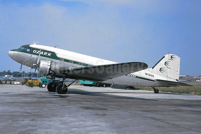 Ozark Air Lines (1st) Douglas DC-3-277C N132D (msn 2245) STL (Jacques Guillem Collection). Image: 944723.