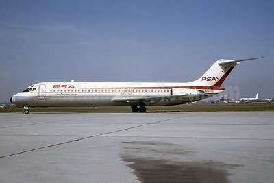 PSA-Pacific Southwest Airlines McDonnell Douglas DC-9-31 N982PS (msn 47251) LAX (Ted J. Gibson - Bruce Drum Collection). Image: 945191.