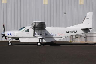 Pacific Air Express (2nd) (Hawaii) (Leis Air) Cessna 208B Grand Caravan N866MA (msn 0934) HNL (Ivan K. Nishimura). Image: 903766.