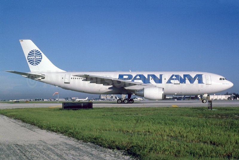 Pan Am (2nd) Airbus A300B4-203 N861PA (msn 216) MIA (Bruce Drum). Image: 103312.