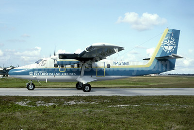 Merv Griffin's Paradise Island Airlines de Havilland Canada DHC-6-300 Twin Otter N454MG (msn 454) FLL (Bruce Drum). Image: 105598.