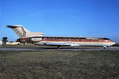 Peoplexpress (People Express Airlines) Boeing 727-227 N553PE (msn 20774) ORD (Dave Campbell). Image: 907627.