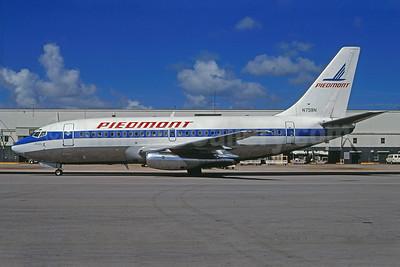 Piedmont Airlines (1st) Boeing 737-247 N758N (msn 19603) MIA (Bruce Drum). Image: 103766.