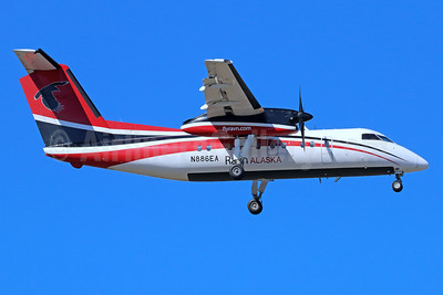 Ravn Alaska (Corvus Airlines) de Havilland Canada DHC-8-103 Dash 8 N886EA (msn 215) ANC (Michael B. Ing). Image: 938182.