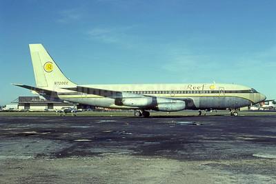 Reef Hotel (Travel Club) Boeing g 720-022 N720CC (msn 17915) (Cavanagh colors) MIA (Bruce Drum). Image: 105268.