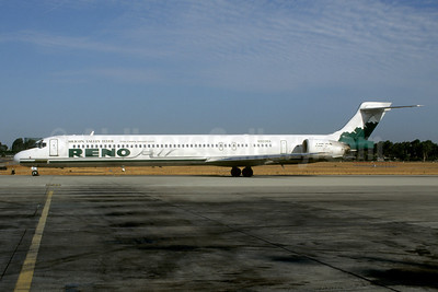 Reno Air McDonnell Douglas MD-90-30 N903RA (msn 53551) (Silicon Valley Flyer) SNA (Roy Lock). Image: 921873.