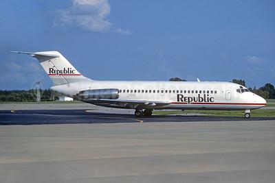 Republic Airlines (1st) McDonnell Douglas DC-9-15 N91S (msn 47063) MEM (Christian Volpati Collection). Image: 934324.