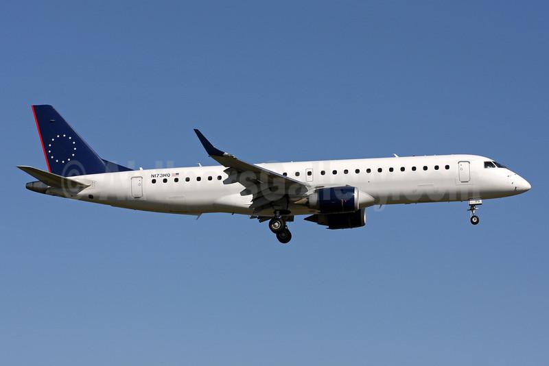 Republic Airlines (2nd) Embraer ERJ 190-100 IGW N173HQ (msn 19000206) DCA (Brian McDonough). Image: 909600.