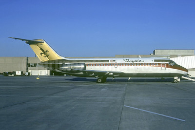 Royale Airlines McDonnell Douglas DC-9-14 N8962 (msn 45843) (Continental colors) DAL (Christian Volpati Collection). Image: 941562.