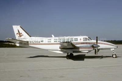 Royale Airlines Beech B99 N4299A (msn U-146) IAH (Keith Armes). Image: 941561.