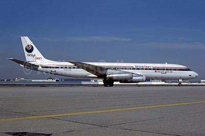 Sea and Sun Airlines-Pacific East Air McDonnell Douglas DC-8-62 N39305 (msn 46098) JFK (Fred Freketic). Image: 950395.