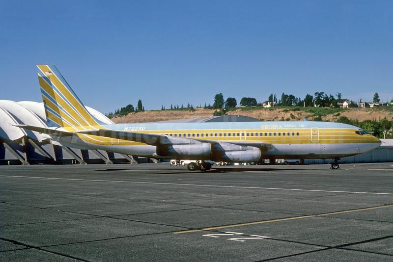Sierra Trans Air Boeing 720-022 N7225U (msn 18078) (Jet Set Travel Club colors) BFI (Bruce Drum). Image: 103281.