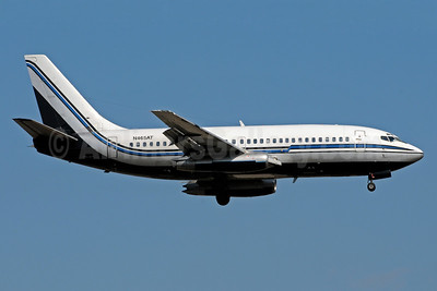Sky King (Sky King, Inc.) Boeing 737-2L9 N465AT (msn 21528) MIA (Bruce Drum). Image: 101333.