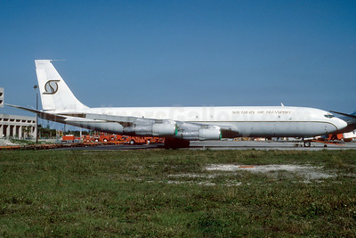 Southern Air Transport (1st) Boeing 707-369C N523SJ (msn 20546) MIA (Bruce Drum). Image: 103153.
