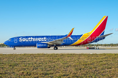 Southwest Airlines  Boeing 737-800 SSWL N8533S (msn 63577) FLL (Andy Cripps). Image: 941455.