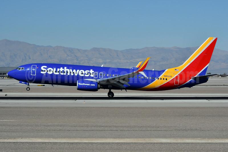 Southwest Airlines Boeing 737-800 SSWL N8520Q (msn 42532) LAS (Ken Petersen). Image: 941282.