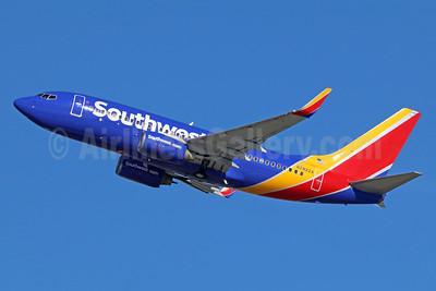 Southwest Airlines Boeing 737-76N WL N7822A (msn 32596) LAX (Michael B. Ing). Image: 938494.