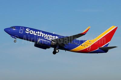 Southwest Airlines Boeing 737-7BD WL N7713A (msn 33919) BUR (Michael B. Ing). Image: 955029.