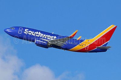 Southwest Airlines Boeing 737-7H4 WL N746SW (msn 29798) LAX (Michael B. Ing). Image: 936579.