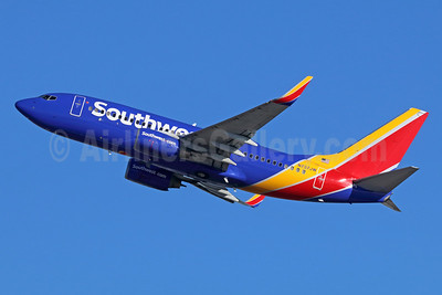 Southwest Airlines Boeing 737-7H4 WL N737JW (msn 27869) LAX (Michael B. Ing). Image: 936580.