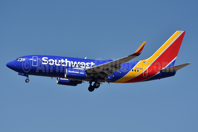 Southwest Airlines Boeing 737-7H4 WL N916WN (msn 36623) DEN (Fred Freketic). Image: 933696.
