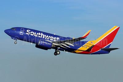 Southwest Airlines Boeing 737-7H4 WL N490WN (msn 32476) BUR (Michael B. Ing). Image: 955027.