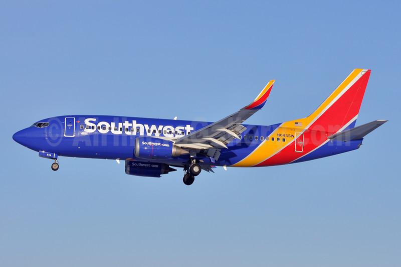 Southwest Airlines Boeing 737-3H4 HL N644SW (msn 28329) BWI (Tony Storck). Image: 926094.