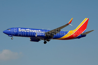 Southwest Airlines Boeing 737-8H4 SSWL N8679A (msn 36932) LAS (Jay Selman). Image: 403581.