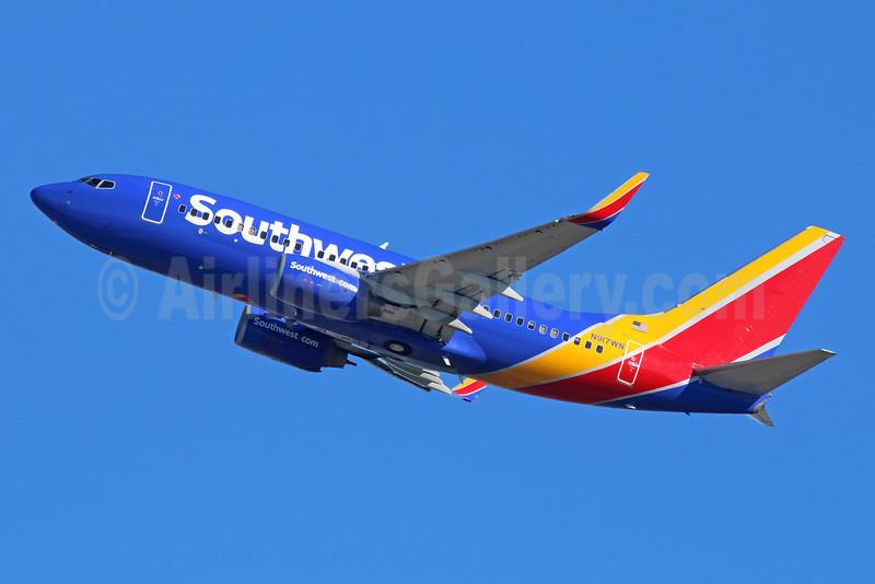 Southwest Airlines Boeing 737-7H4 WL N917WN (msn 36624) LAX (Michael B. Ing). Image: 931846.