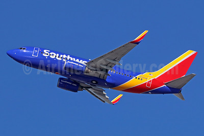 Southwest Airlines Boeing 737-7H4 WL N712SW (msn 27846) LAX (Michael B. Ing). Image: 935934.