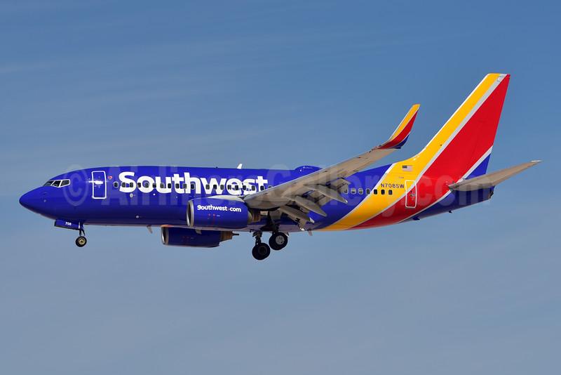 Southwest Airlines Boeing 737-7H4 WL N708SW (msn 27842) LAS (Eddie Maloney). Image: 924874.
