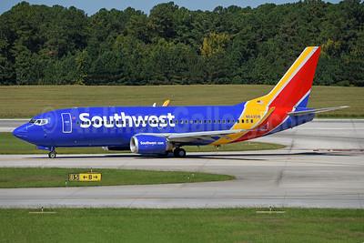 Southwest Airlines Boeing 737-3H4 WL N643SW (msn 27716) RDU (Ton Jochems). Image: 942981.