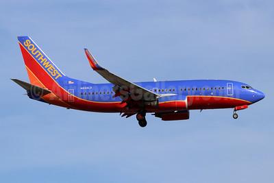 Southwest Airlines Boeing 737-7H4 WL N233LV (msn 32501) SNA (Michael B. Ing). Image: 955044.