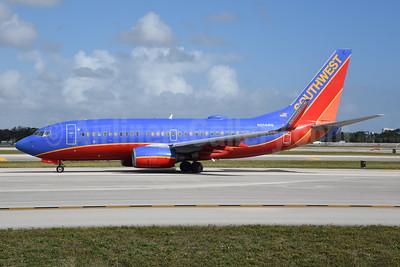 Southwest Airlines Boeing 737-7H4 WL N204WN (msn 29855) FLL (Bruce Drum). Image: 104748.