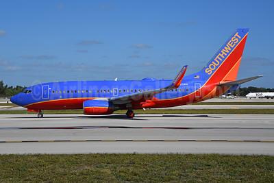 Southwest Airlines Boeing 737-7H4 WL N423WN (msn 29827) FLL (Bruce Drum). Image: 104751.