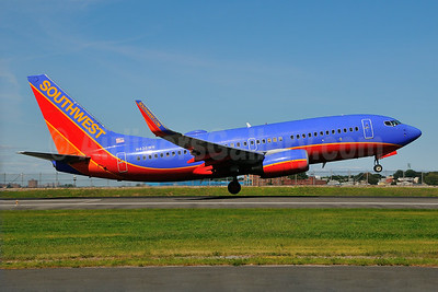 Southwest Airlines Boeing 737-7H4 WL N436WN (msn 32456) LGA (Ken Petersen). Image: 924025.