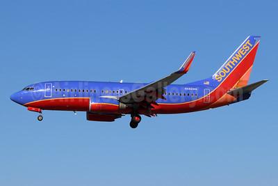 Southwest Airlines Boeing 737-7H4 WL N482WN (msn 29852) LGB (Michael B. Ing). Image: 955049.