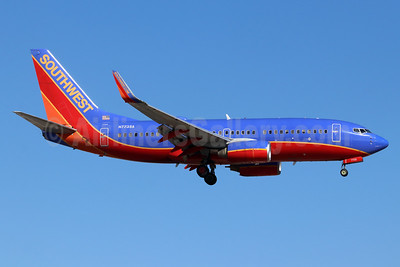 Southwest Airlines Boeing 737-7BD WL N7735A (msn 34862) SNA (Michael B. Ing). Image: 955037.