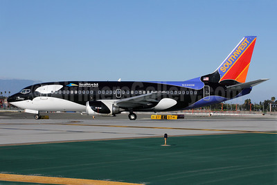 Southwest Airlines Boeing 737-3H4 N334SW (msn 23938) (Shamu-SeaWorld Adventure Parks) LAX. Image: 910203.
